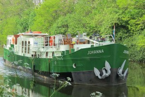 cruising on the Ieperlee canal